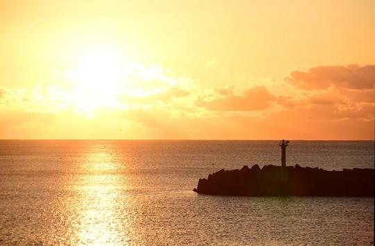 201901010707 日門海岸初日の出 W1024 DSC_3153.jpg