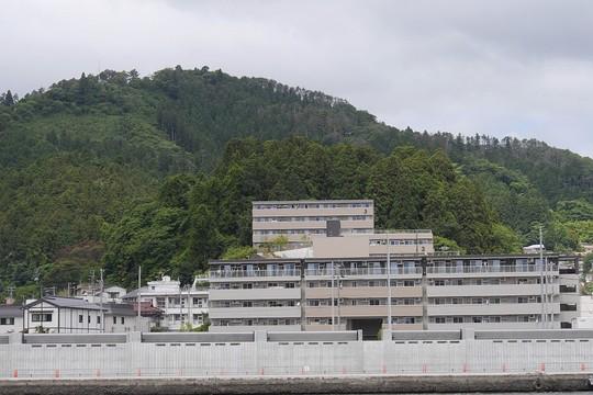 201907071129 市営住宅魚1入沢 w1024 P1510794.jpg